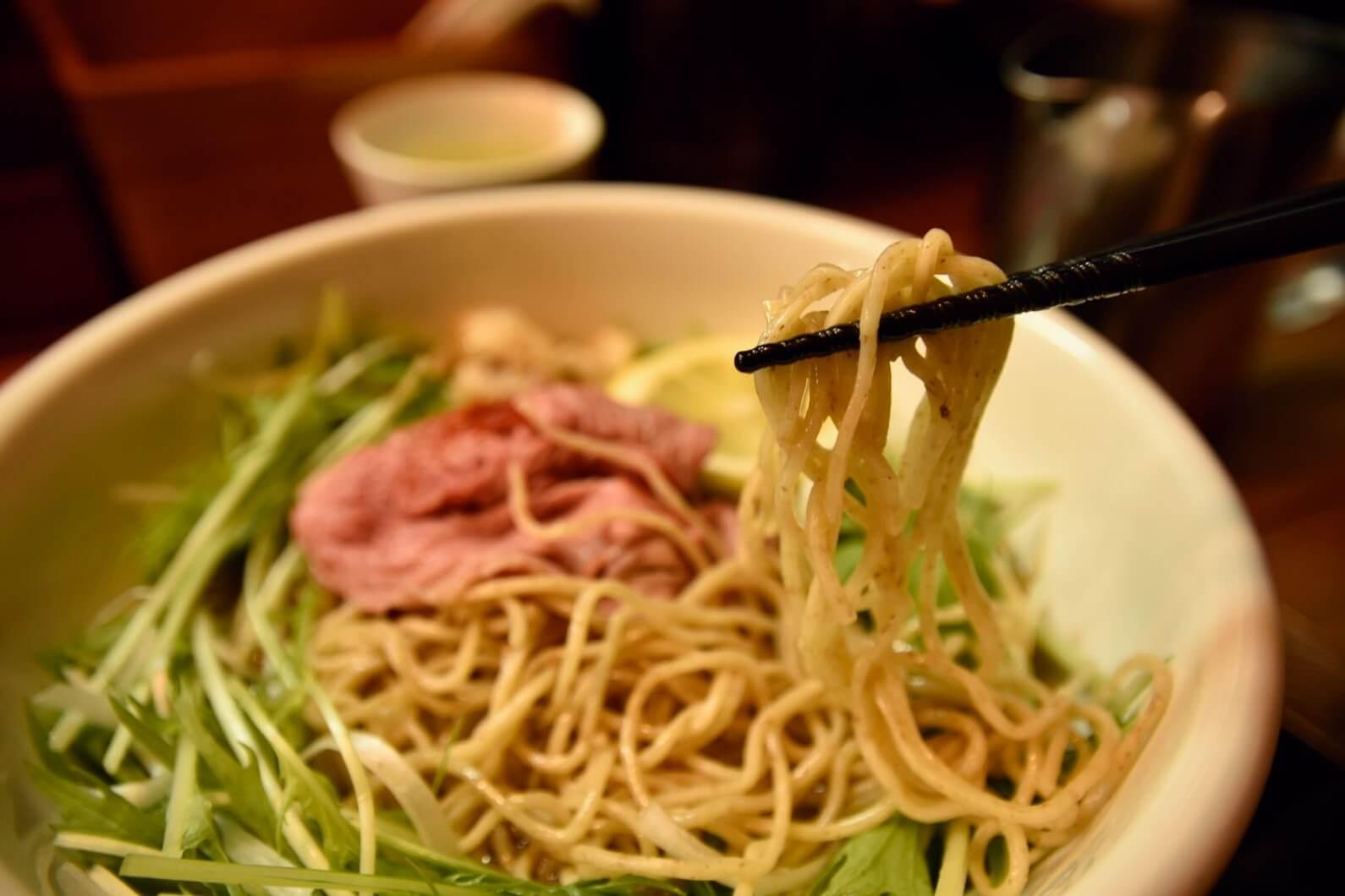 松坂牛麺の麺を実食