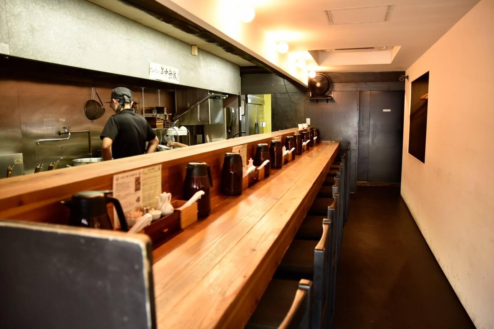 松坂牛麺の店内
