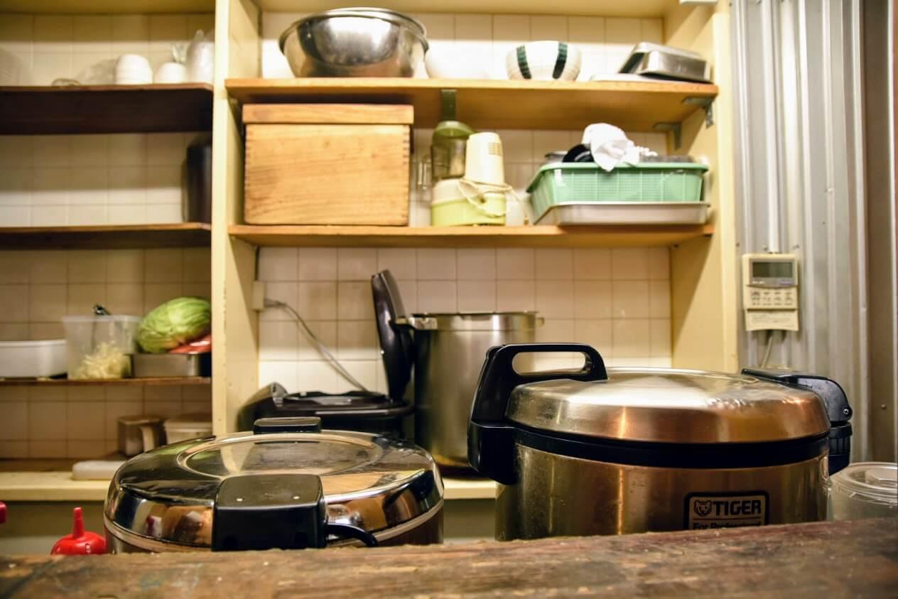 コトブキカレーの厨房