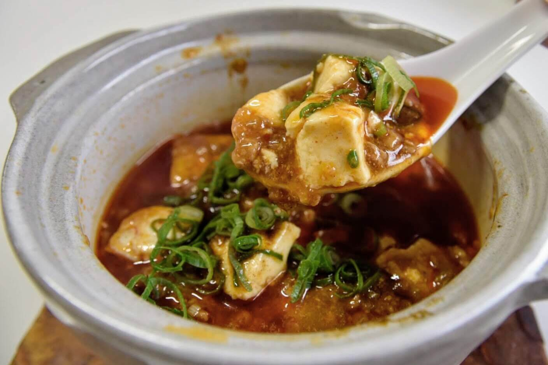 「麻婆豆腐+白ご飯」の組み合わせ