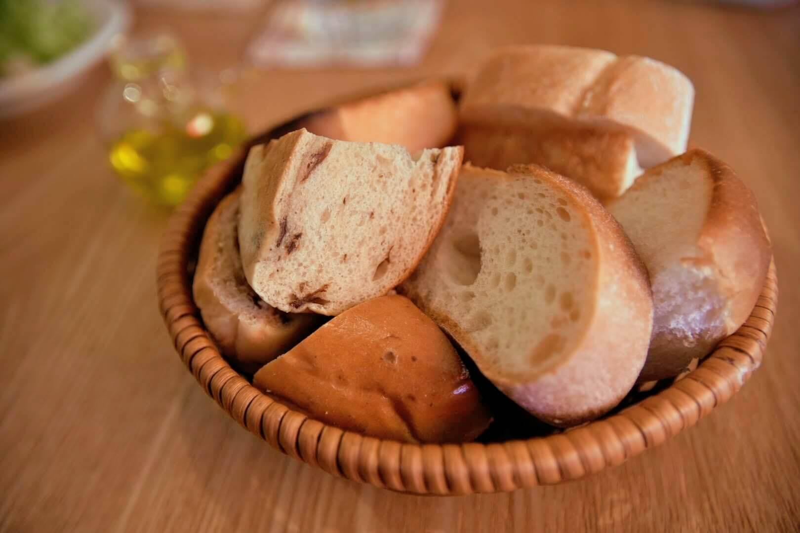 パスタランチのパン