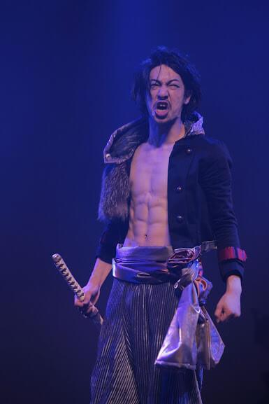 劇団壱劇屋の舞台で悪役を演じ人気上昇中の小林嵩平
